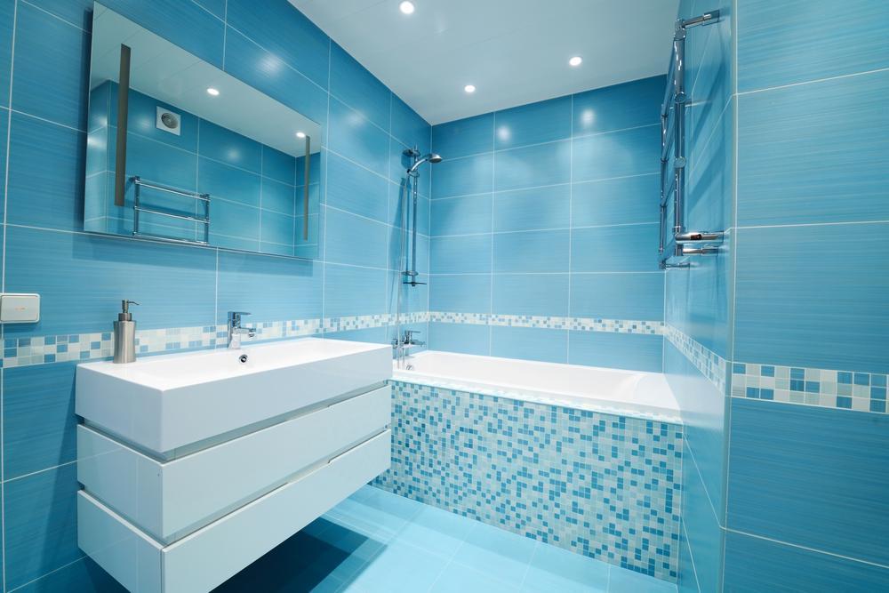 ایده طراحی سرویس بهداشتی آبی سفید